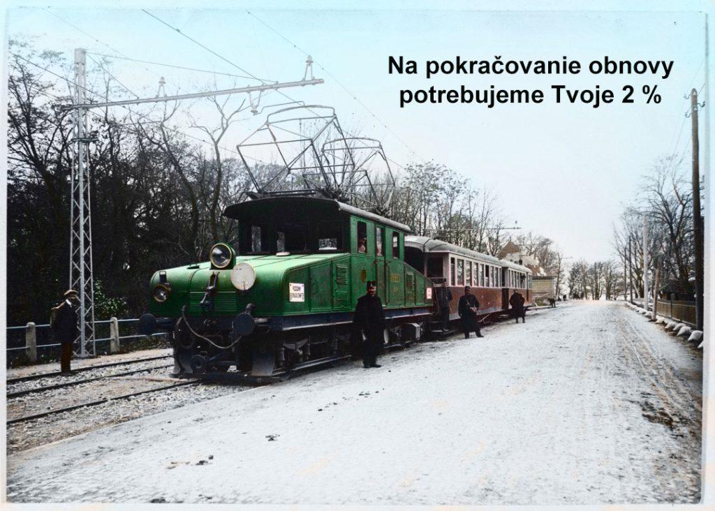 Diaľkový vlak Viedenskej električky na zástavke Petržalka – výhybňa v smere do centra Prešporka (Bratislavy).